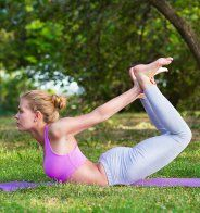 La posture de libération des vents pour un ventre plat (Pavanamukthasana) - Marie Claire