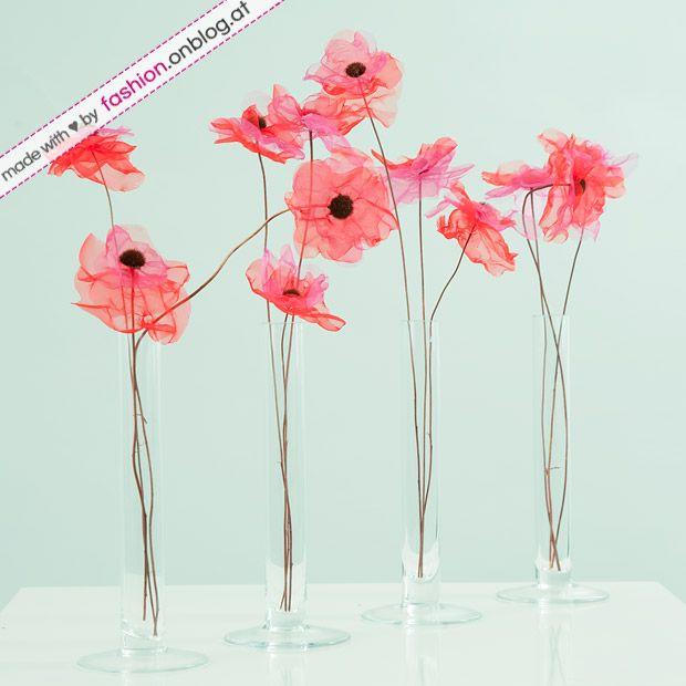 HOME Do it yourself: Aus Organzablumen und trockenen Blumenstielen hübsche Blumendeko basteln - Bastel-Endergebnis