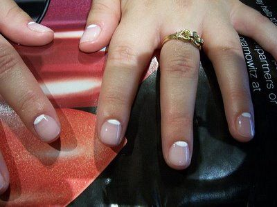 Want to nail this fall's latest trend, and look cuteicle while doing it? You've got to try a Half Moon Manicure. Here are some ideas for making it easier to do yourself, and for taking this trend t...