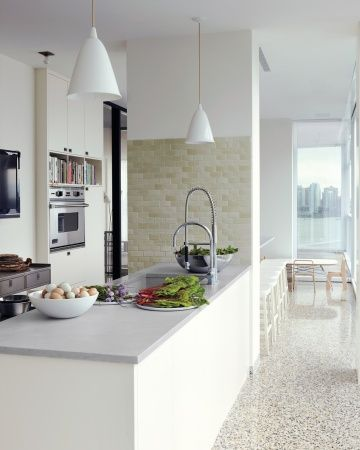 A Family Kitchen Alexis Stewart apartment. #laylagrayce #celebrityhome