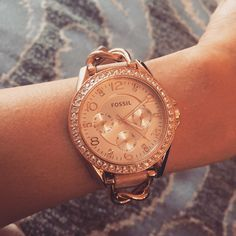 The chain and leather band on this Fossil watch is so chic. @lisaemilyr, you get major cool points for this one!