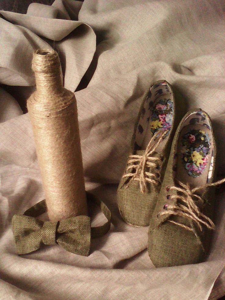 свадебная обувь и бабочка жениха