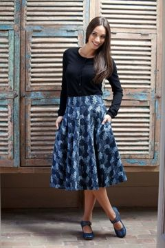 that bird label Jay Skirt - Follage Leaf print - Womens Knee Length Skirts at Birdsnest Online