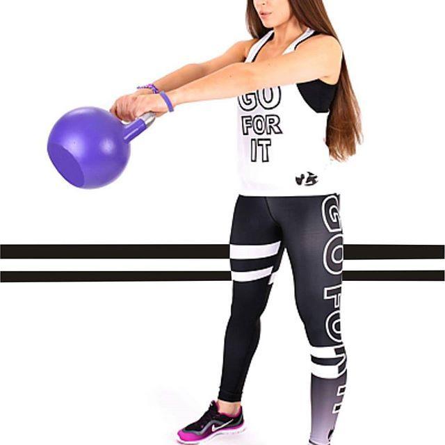 black&white to mocne, kontrastowe ale i klasyczne połączenie kolorów. Taki komplet podkreśli twoją waleczną postawę na treninach i zadziorny charakter  GO FOR IT dodaje mocy w dalszym dążeniu do celu i wymarzonej sportowej sylwetki #2skin #gym #gymnow #leggings #blackandwhite #2017 #moc #Nowa #kolekcja #powergirl #trainhard #leggday #top #gymwear #kettlebell #black #lovefitness #goforit #fight #train #polishgirl #instagym #fitnessgear #fitgirl #gymaddict #sportsbra #shape #gymfreak ...