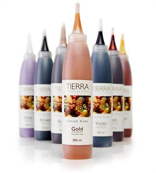 Fuente Tierra Color Care geeft je natuurlijke haarkleur een tijdelijk kleuraccent. Ook te gebruiken als opfrisser voor gekleurd haar. Fuente Tierra Color Care verzorgt het haar, geeft het vitaliteit en veerkracht en zorgt voor glans. Het is verkrijgbaar in 7 kleuren: Brown, Red, Violet, Copper, Blond, Gold en Silver.