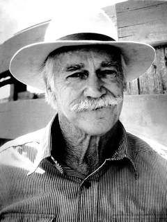 RICHARD FARNSWORTH (1920 - 2000) can't recall seeing him as a young man in the movies. The sheriff in many movies. The Natural.
