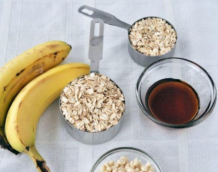 Такой диетический десерт можно есть хоть каждый день, исполняя его в разных вариациях. Инжир и финики можно отлично заменить на чернослив и курагу, изюм, сушеные яблоки и клюкву. Груши хорошо заменить бананами или киви — будет с кислинкой, но всё равно очень соблазнительно…