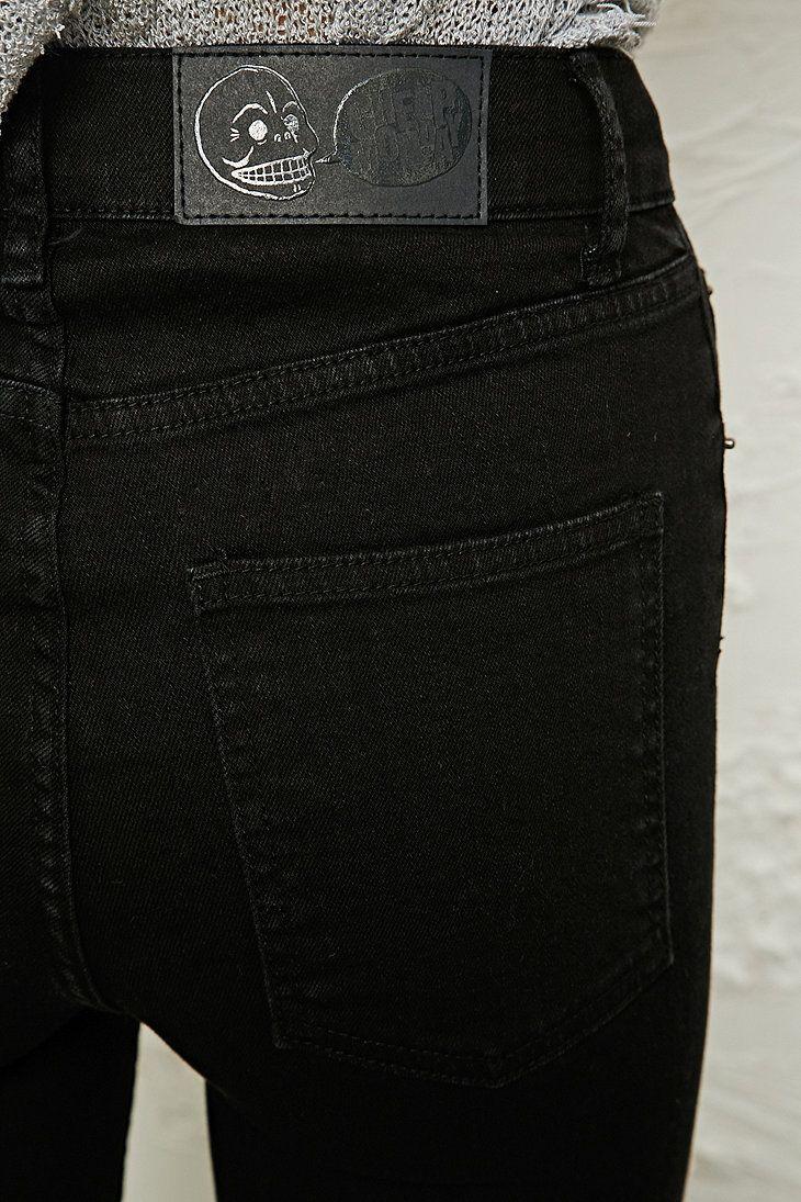 "Cheap Monday - Jean taille haute seconde peau noir. LOVE LOVE LOVE THIS BRAND! So far best comfy ""pajama jeans"" brands are Blank Denim & Cheap Monday."