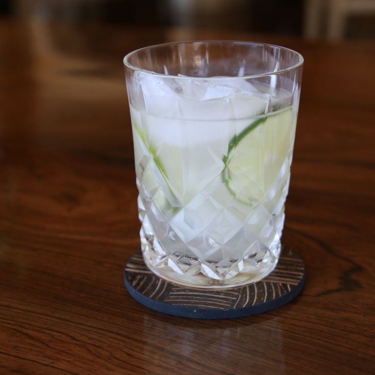 Blanc-arita 2 ounces of silver tequila 1/2 an ounce of Dolin Blanc 1/2 an ounce of fresh lime juice 1/2 an ounce of agave syrup (1:1) Dash of orange bitters Garnish with a few lime wheels