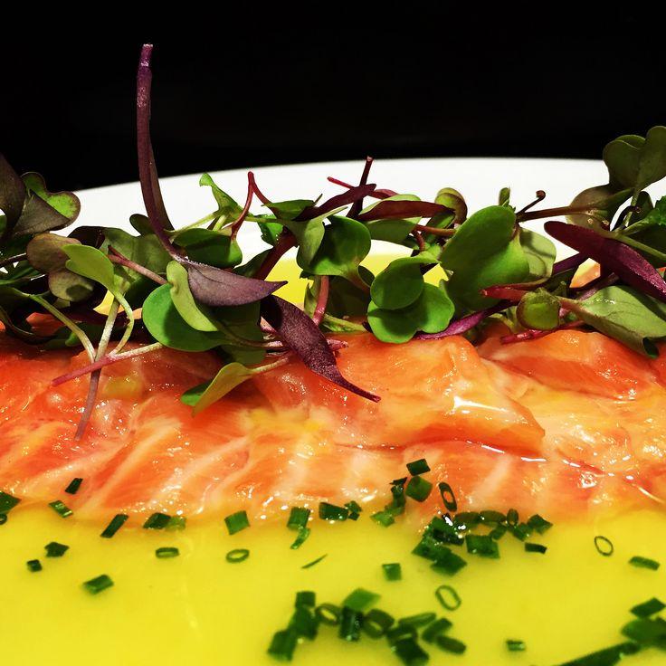 "https://flic.kr/p/MTkZS1 | Sakura Maru. Tiradito de salmón nikkei | Sakura maru. Tiradito de salmón con leche de tigre estilo nikkei. Basada en la receta del chef Martín Morales de su libro ""Ceviche"". Un plato de fusión.   koketo.es/sakura-maru-salmon-nikkei @chefkoketo"