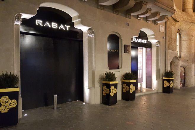 Pilonas automaticas de seguridad para la joyeria Rabat de Barcelona