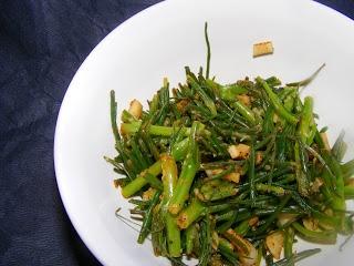 Lemon Garlic Agretti (Weekend Herb Blogging)