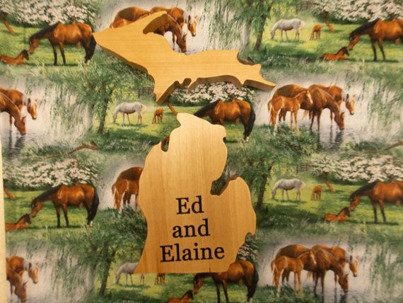 Michigan Shape Wood Camper Sign Family Name State With Upper Peninsula Cut Out Wooden Wall Decor Wedding Guest Book