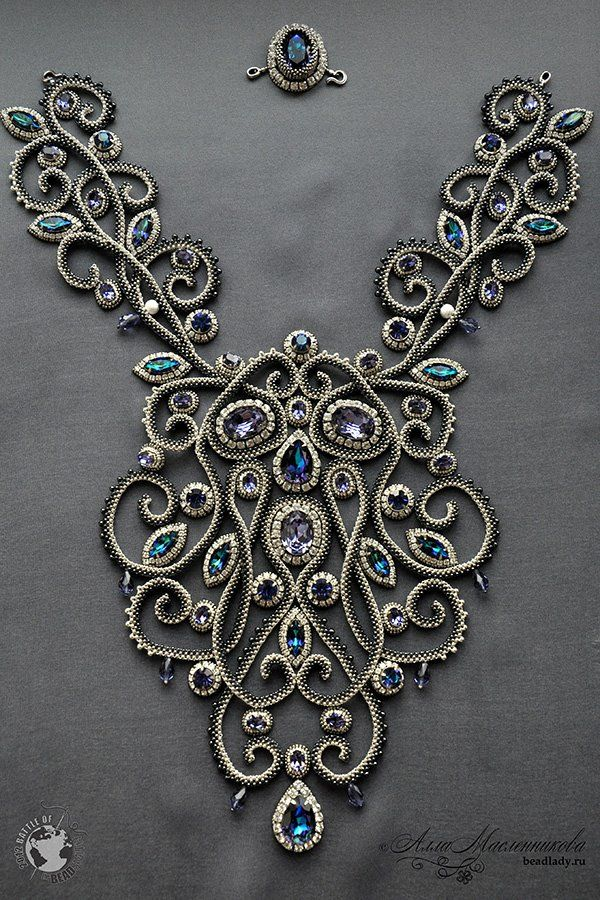 "Absolutely Fabulous use of seed beads. From Beadsmith blog ""Baroque"" by Russian bead artist"