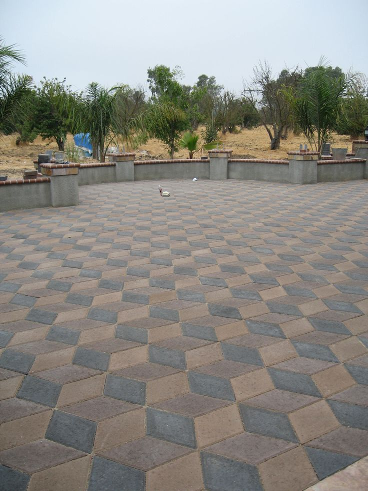 Diamond pavers can create a stunning statement area for your home. This beautiful 3D pattern is done in Tan, Brown & Charcoal.