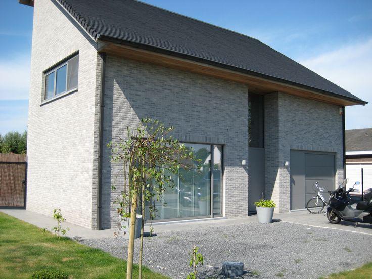 Desimpel forum branco genuanceerd gesmoord huis wenduine schrijnwerk ral 9007 facade - Modern stenen huis ...
