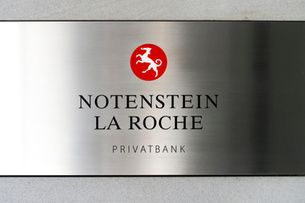 BANKING: One in 10 Swiss private banks disappeared in 2015