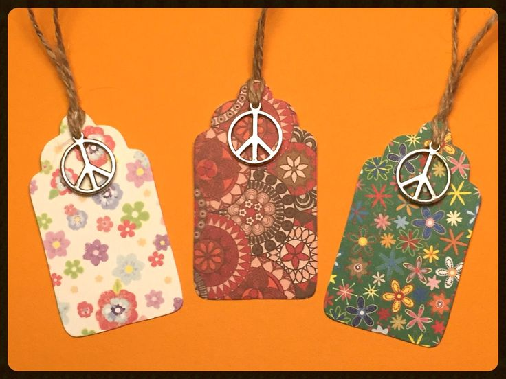 """Tags """"Happy Hippie"""" - Handmade Gift Tags, Gift Tags, Peace Gift Tags, Hippy Tags, Hippie Tags, Favor Tags, Holiday Gift Tags, Peace, Tags di TheEmporiumOfWonders su Etsy"""