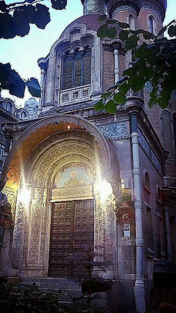 Biserica ruseasca by metela, via Flickr