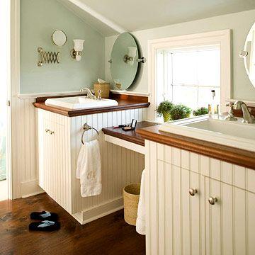 Country cottage bathroom ideas vanities wood for Country cottage bathroom ideas