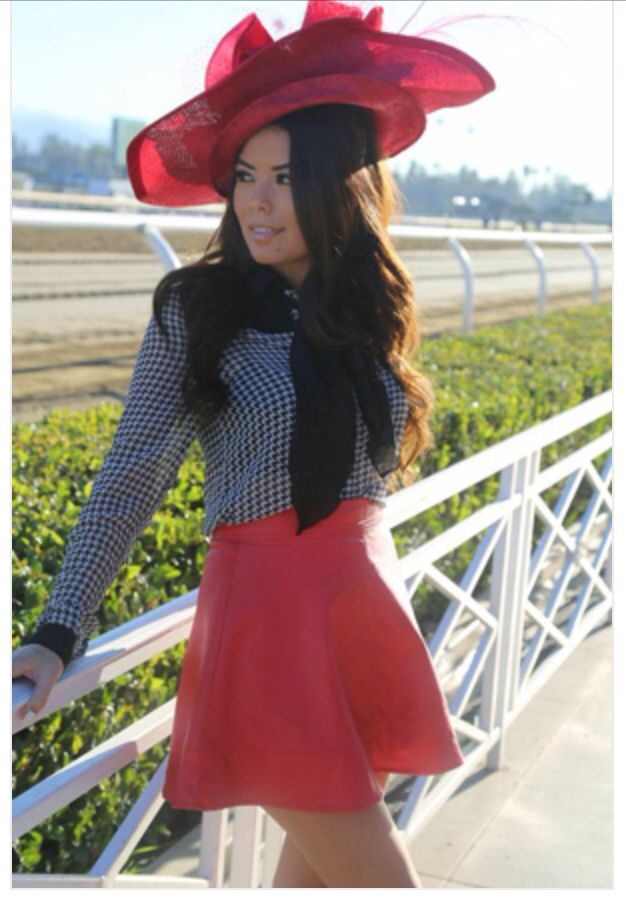 Christine Moore Hat At Breeders Cup 2013 Race Track