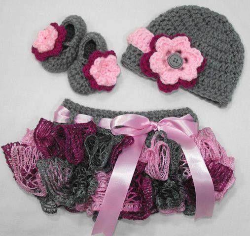 gri örgü etel şapka ve patiği
