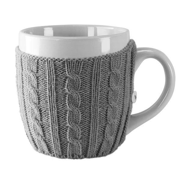 Ciekawy pomysł na utrzymanie wysokiej temperatury naszej kawy bądź herbaty. Teraz możemy ubrać nasz kubek w sweterek.