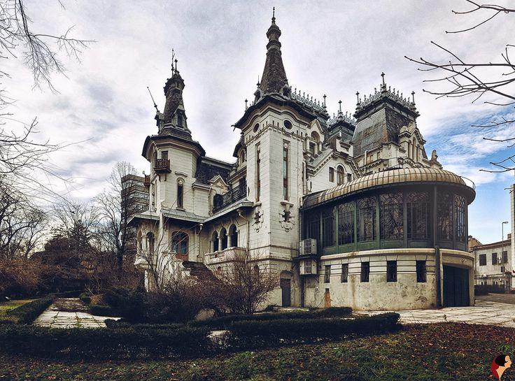 Palatul Kretzulescu (Rumanía, 1902). Petre Antonescu (Rumanía, 1873-1965). // Perfectamente adaptado a la naturaleza en la que se integra, fue construido en estilo romántico con elementos decorativos del Renacimiento francés.