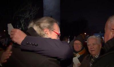 KOD nie uszanował nawet Wigilii... 20 osób pod Sejmem