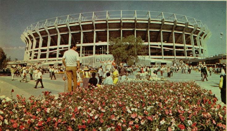 17 best images about estadios del mundo on pinterest for Puerta 1 estadio azteca