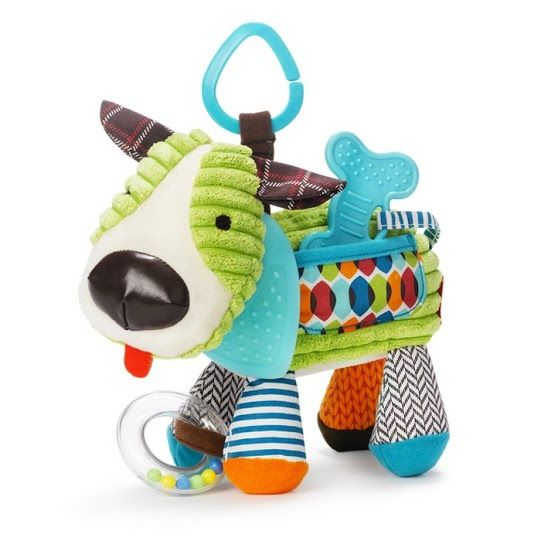 Baby toys from Skip Hop are perfect for the busy Mum or Dad, on the go. These adorable Bandana Buddies keep little hands active and engaged with their textures, sounds, patterns and colours. Cutely designed like a sweet Hound Dog, this baby toy is perfect for playing with at home and when you're out and about.