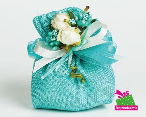 idea per la bomboniera del matrimonio, un sacchetto juta tiffany