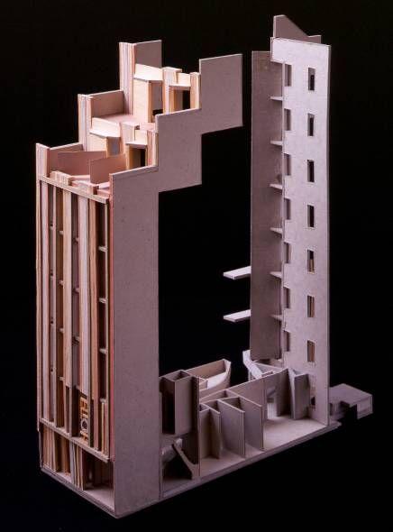 facade+first floor plan model from flores prats