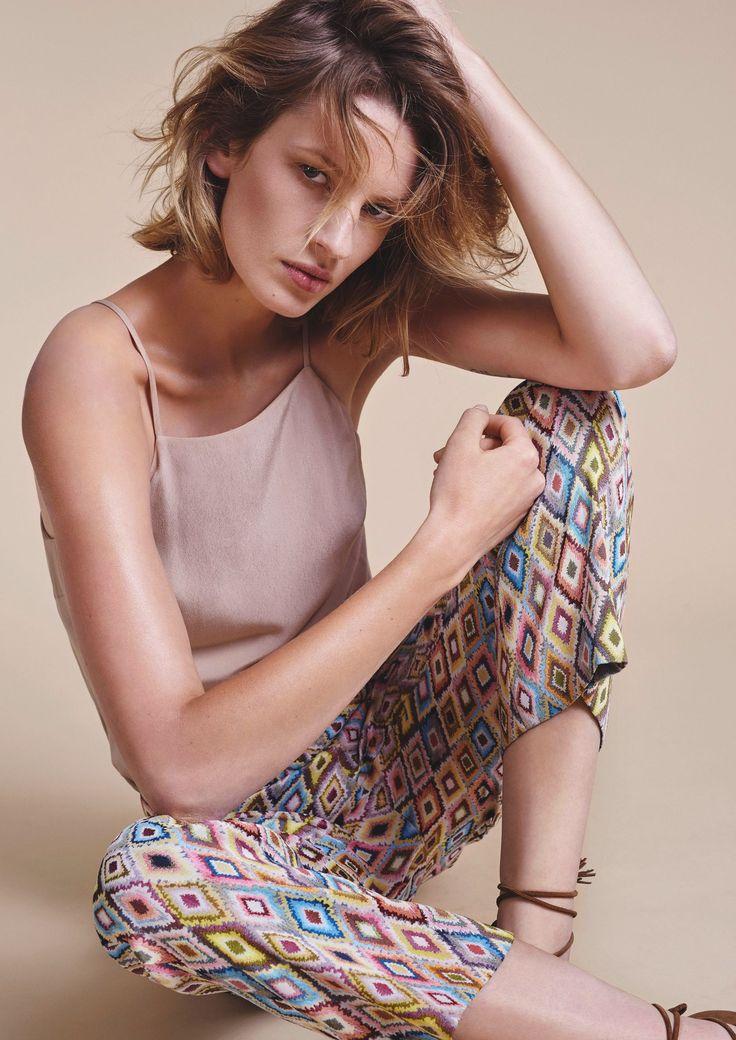 #comptoir7 #gent #latem #SintMartensLatem #zomer2017 #zomer #ss17 #fashion #mode #dameskleding #zomercollectie #fashionblogger #webshop #AvailableInWebshop #boetiek #rok #skirt #plisse #pinko #lichtblauw #broek #pants #RaffaelloRossi #print #colourful
