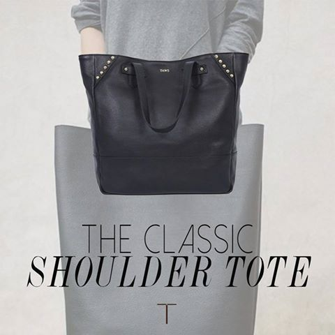 There isn't a more functional and stylish bag than the classic shoulder tote! Easy to just pick up and go- and it fits all your daily needs! Hit like if you agree!