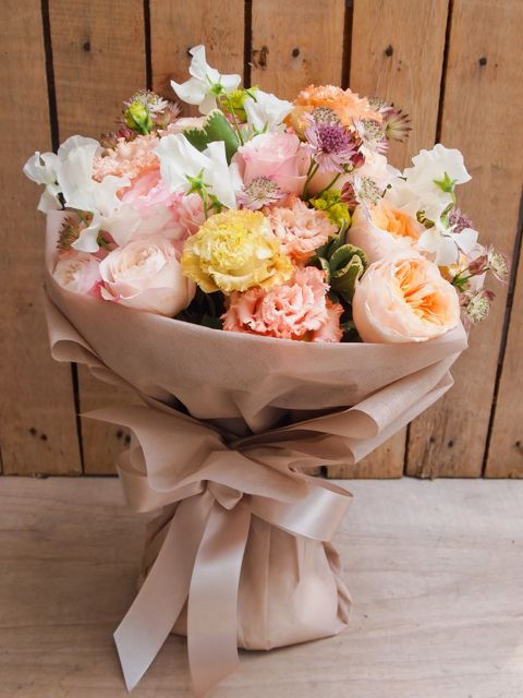 HB18 Luxurious bouquet of David Austin roses, sweet pea and astrantia