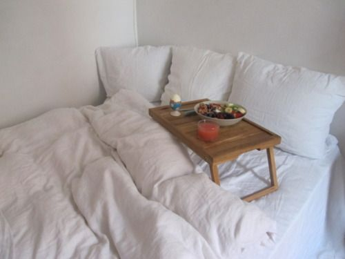 Perfection.: Decor, Breakfast In Beds, All White, Dreams Houses, Eggs, Fruit Bowls, Grapefruit Juice, Apartment Inspiration, Mornings