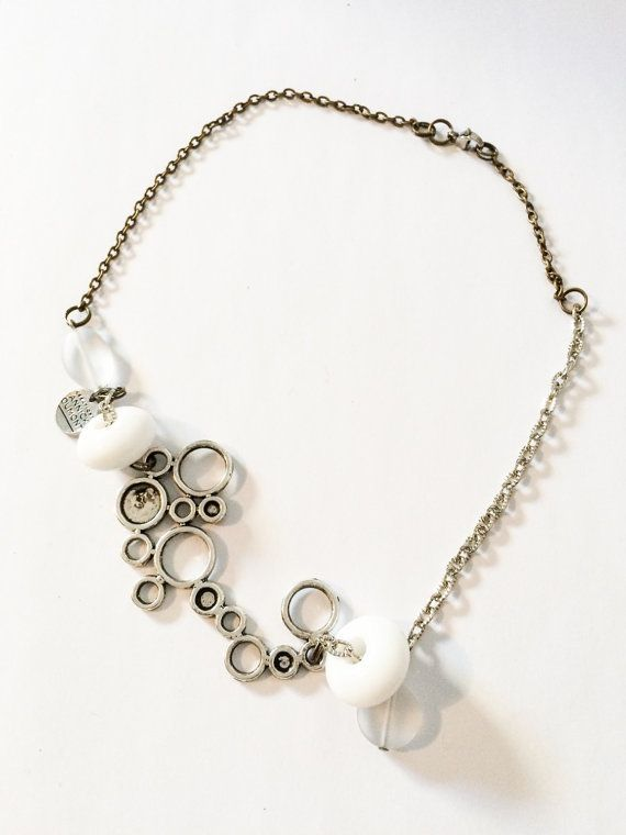 Collier Perle verre Blanc Translucide par CreationAnnickDumont