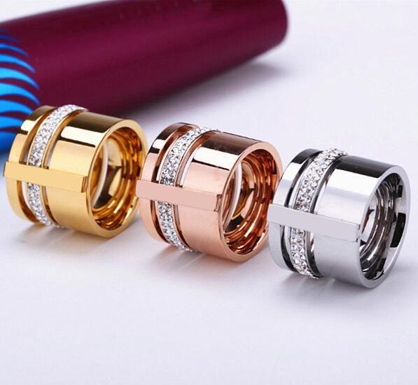 Barato 316l titanium aço inoxidável homens mulheres casal anel simulado diamond ring banda larga amarelo rosa branca banhado a ouro bijoux, Compro Qualidade Anéis diretamente de fornecedores da China: Material:aço inoxidável 316l de titânio, 18 k real banhado a ouroTamanhos DOS EUA:#6: diâmetro interno 16.5mm/