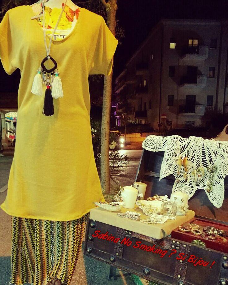 Abbigliamento artigianale vestito in maglia color senape e gonna Boho stile
