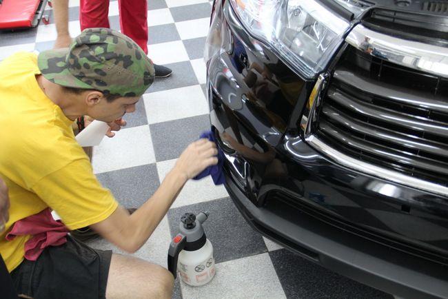 Очередной СТО, которая сдала экзамен экспертам жюри акции, стала одесская универсальная станция технического обслуживания «Автосмайл». Она, наверное, первой начала внедрять собственную программу «заботливый автосервис».