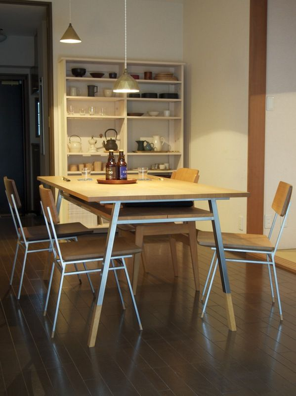 the most nice looking stainless table & chair ever! (with oak) also the brass lamp.  by Oji & Design http://www.o-ji.jp/