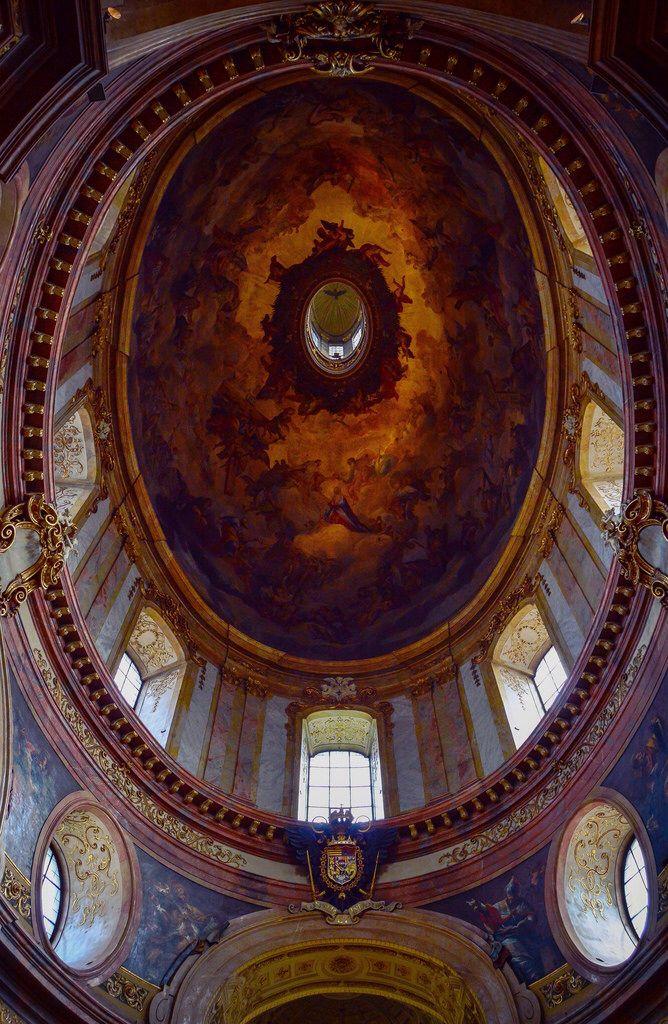 Cupula de la Iglesia de San Pedro, Peterskirche (Vienna - Austria)