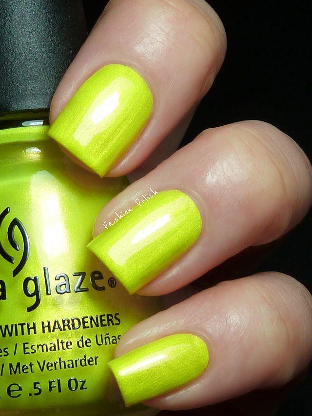 China Glaze - Sun-Kissed: Sun Kiss Green, Nails Art, Glaze Sun Kiss, Color, Glaze Sunkiss, Neon Yellow Nails, Nails Polish, China Glaze Neon, Sun Kissed