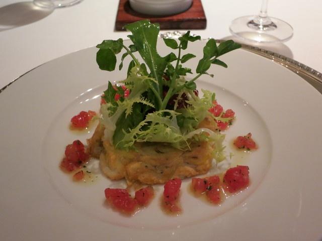 ハプスブルグ・ファイルヒェン - 白魚とポテトのパラチンケン トマトのビネグレット サラダ仕立て