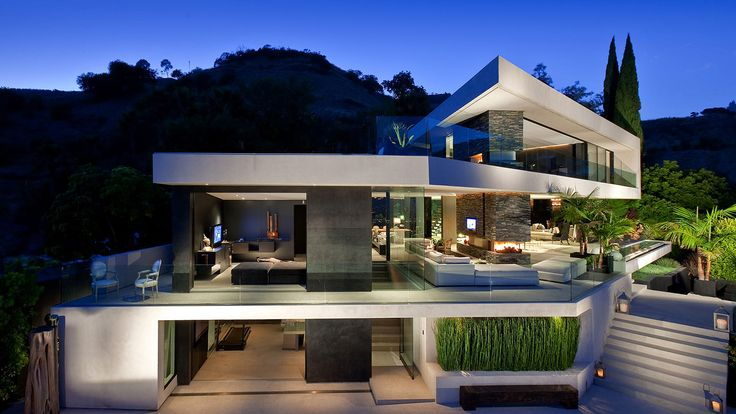 Despite site conditions, XTEN Architecture pulled of a spectacular Hollywood Hills mansion, entitled Openhouse that is closely connected to nature.