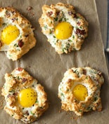Eggs in Clouds...looks like a biscuit, but its egg whites!: Eggs, Food, Low Carb Breakfast, Breakfast Idea, Breakfast Brunch