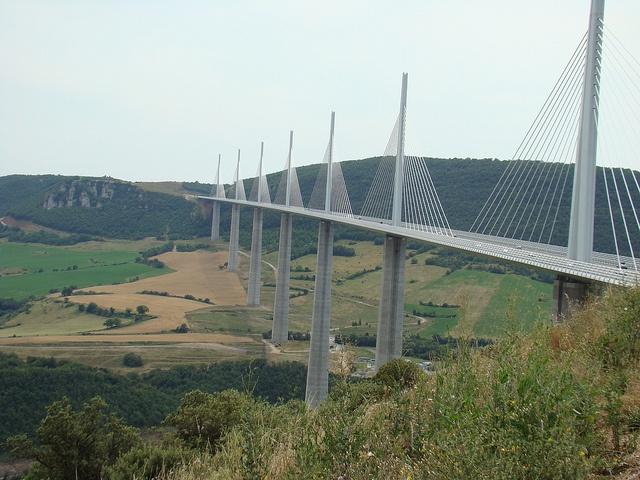 Millau (France) : The viaduct of Millau.(France), designed by Norman Foster and Michel Virlogeux.-Le viaduc de Millau France conçu par les architectes Norman Foster et Michel Virlogeux