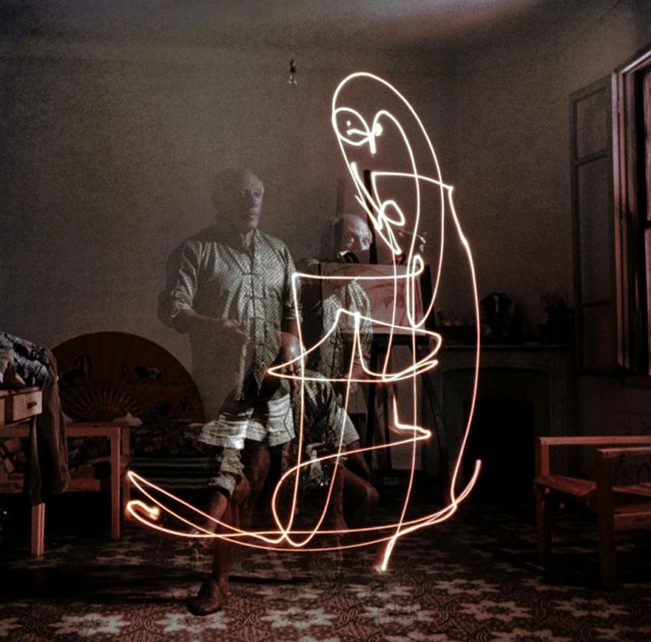 Light Drawings — photographs of Pablo Picasso by Gjon Mili, 1949