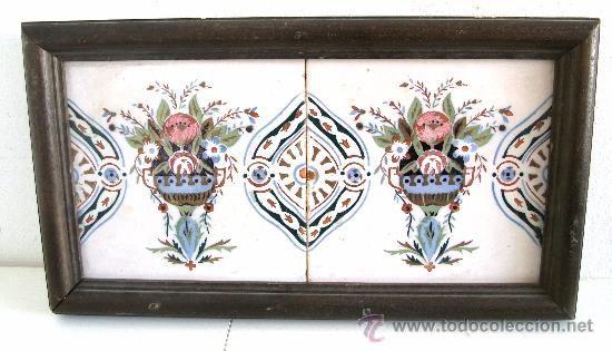 CUADRO DE DOS BALDOSAS ANTIGUAS VALENCIANAS EN MARCO DE MADERA (46X25CM APROX) (Antigüedades - Porcelanas y Cerámicas - España - Azulejos - Valencia)